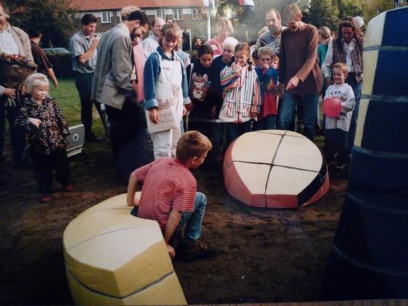 onthulling Berglarenschool, Gemert , 1995, Yvette Lardinois