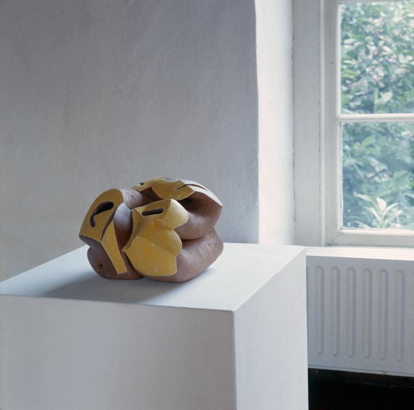 object, handvorm, 1991, keramiek , Yvette Lardinois