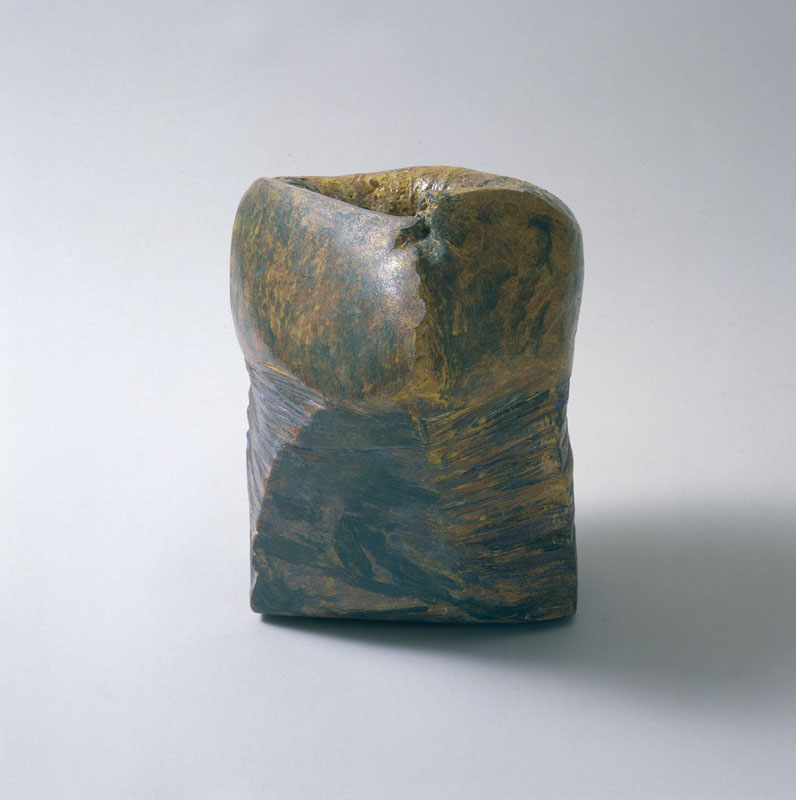 Zonder titel, container, handvorm, 1989, keramiek. Yvette Lardinois
