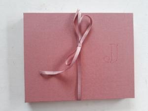 Rosa fotoboek en lintje